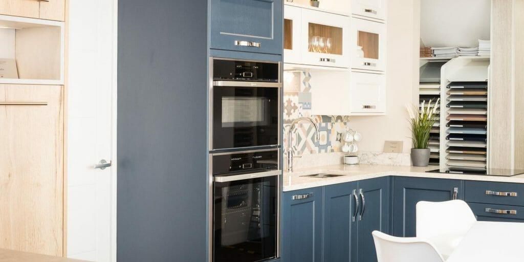 Tradtional Kitchen With Blue Finish in Devon